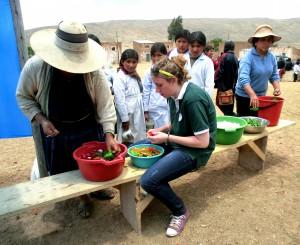 """""""Fundación Pueblo hat mir als Freiwillige sehr viel Verantwortung übertragen und somit auch geholfen herauszufinden, was ich studieren möchte."""" Franziska Stahl"""